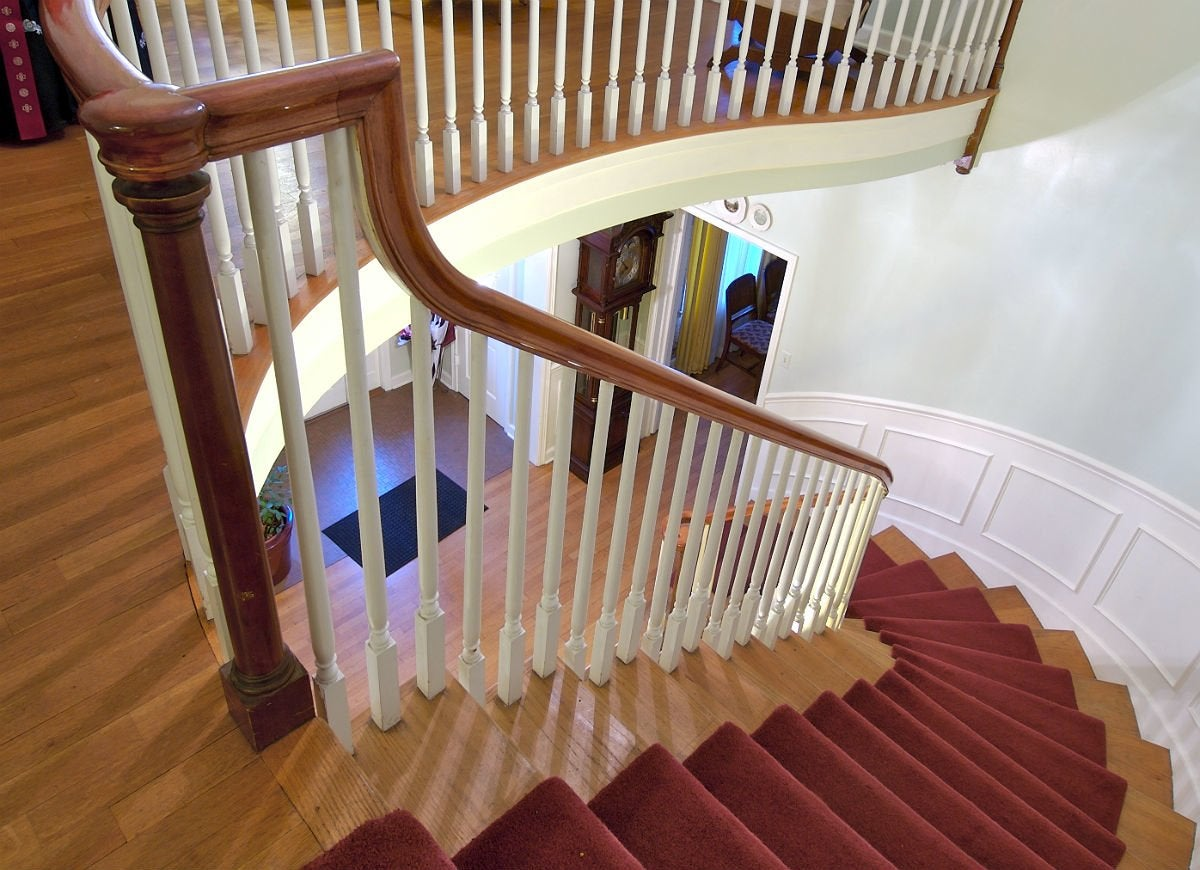 Carpet treads for wooden staircase