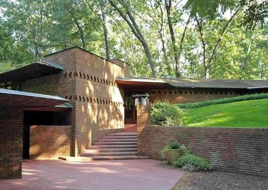 Rent Frank Lloyd Wright's Palmer House