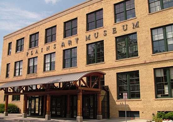 North Dakota: Plains Art Museum