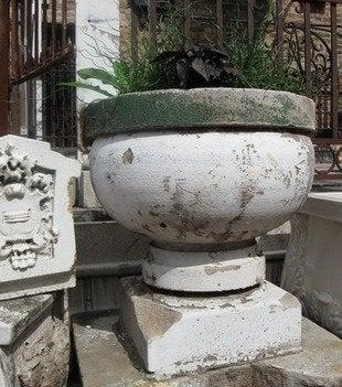 Salvage one circular stone planter bob vila architectural salvage 4154 resize20111123 36322 9sgcuq 0