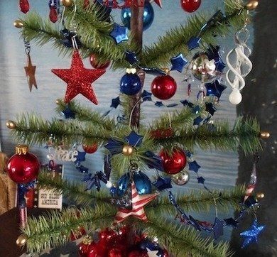 Happierthanapig patriotic feather tree 004