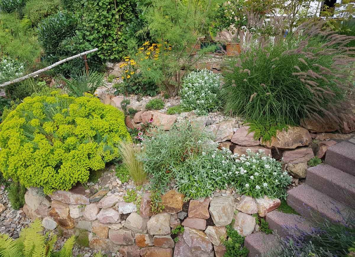 Easy Landscaping Ideas - 13 Ideas for a