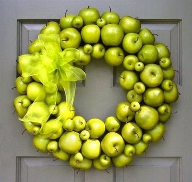 Creativedecorations grannysmithholidaywreath