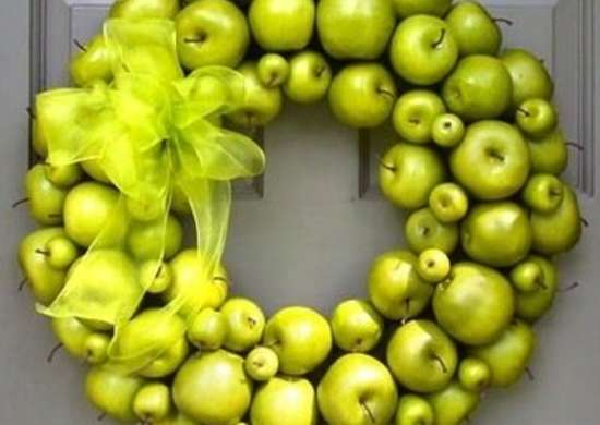 Creativedecorations-grannysmithholidaywreath