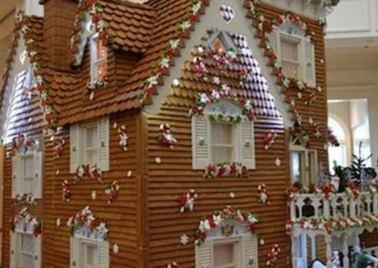 Grand_floridian_gingerbread_house