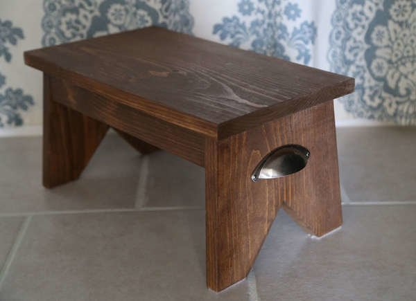 Amazing 12 Diy Step Stool Designs You Can Make Bob Vila Machost Co Dining Chair Design Ideas Machostcouk