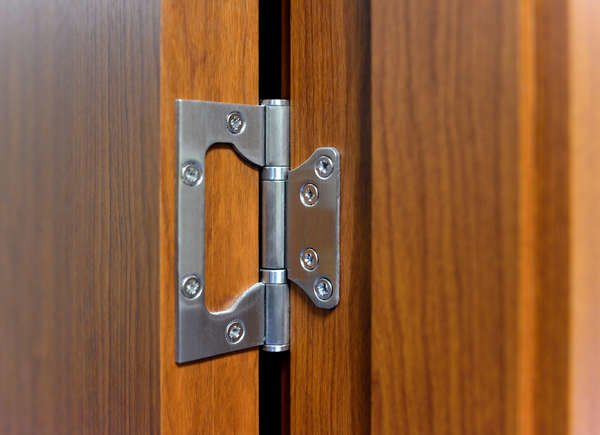 how to fix squeaky door hinges
