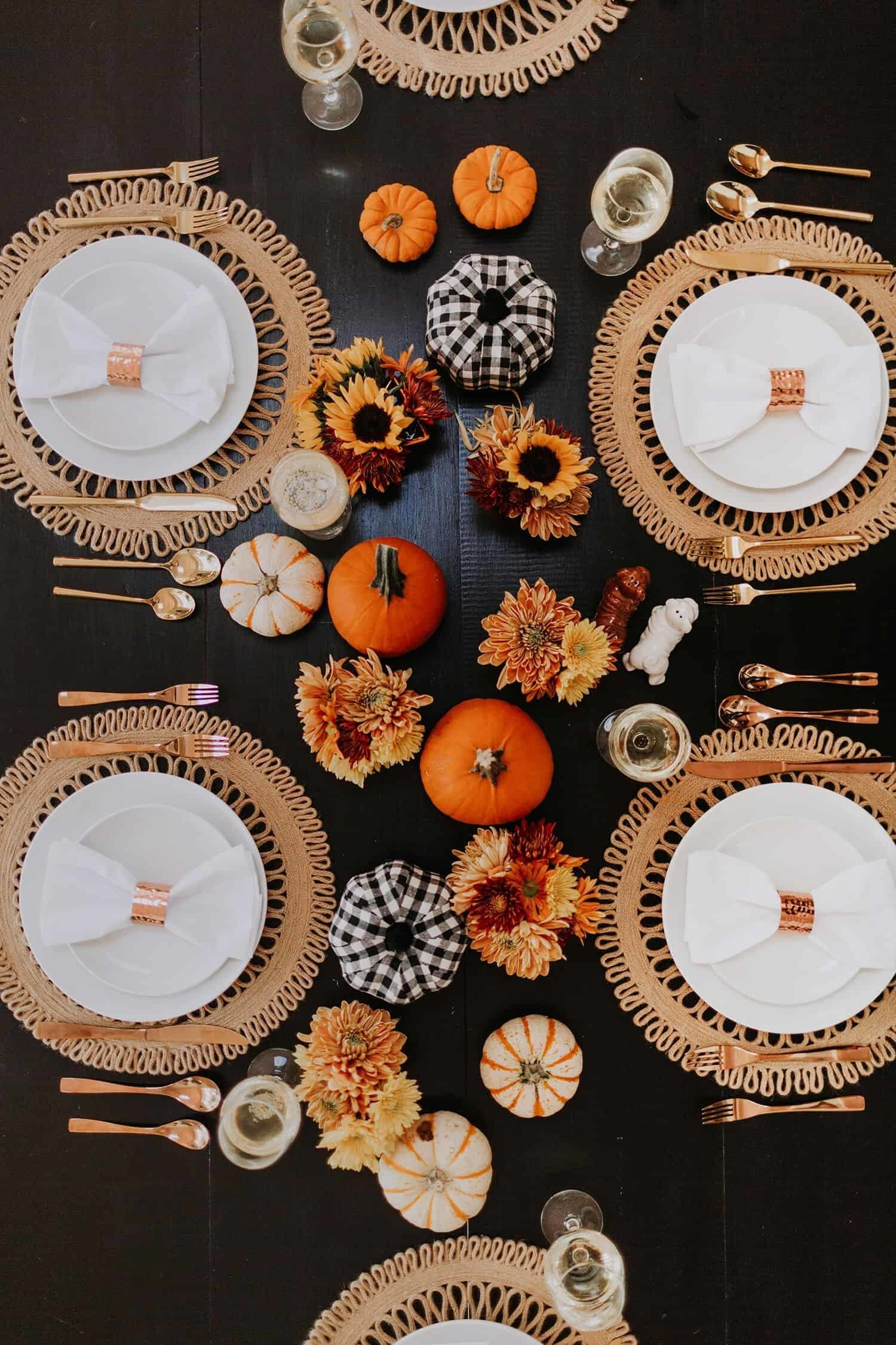 "35 Ways to Set a ""Natural"" Thanksgiving Day Table"