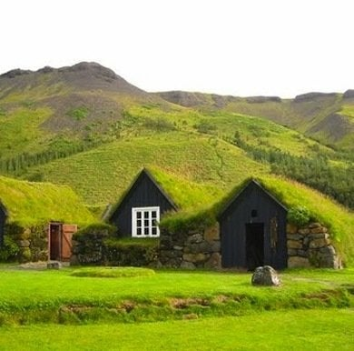Hobbit houses to make you consider moving underground for Who invented houses