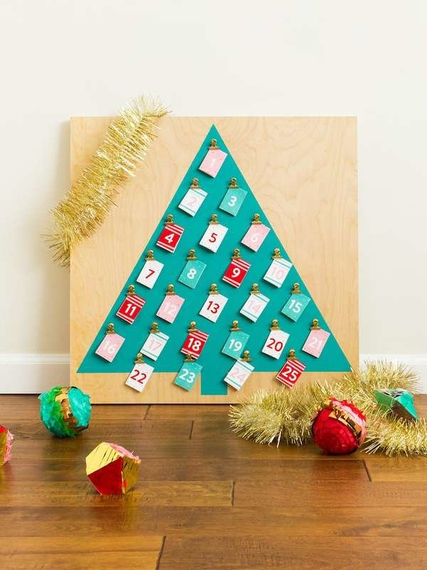 "Christmas Tree Wooden Base Memo Chalkboard Height 16/"" Comes in a Brown Gift Box"