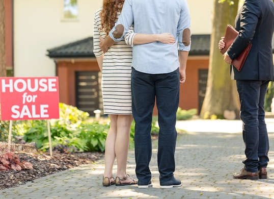 Real Estate Broker Clothing Tee Shirt Im Not Ignoring You Shirt