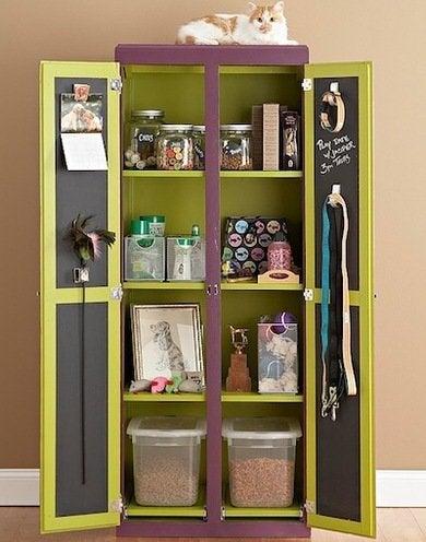 Pet armoire