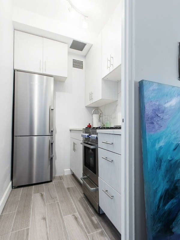 Tiny New York City Apartments Peak Inside These Small Nyc Dwellings Bob Vila
