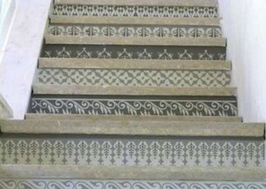 2-23-09_stenciled_stairs-apartmenttherapy
