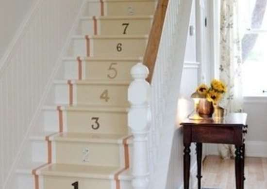 Painted-stairs-with-number-stencils-staceybrandford