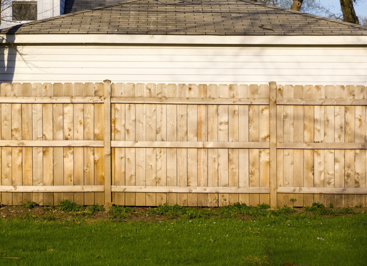 Pin By Kathryn Abrams On Outdoor And Decor Backyard Fences Front Yard Fence Fence Design