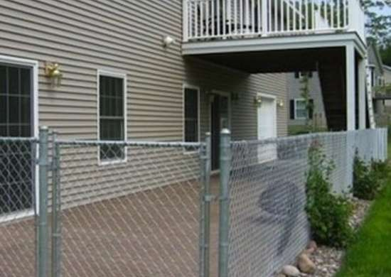 Chain-link-fences-07-fencesdecksandpatios