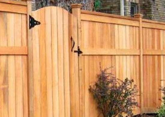 Red cedar fence dynamicfrenceraleigh