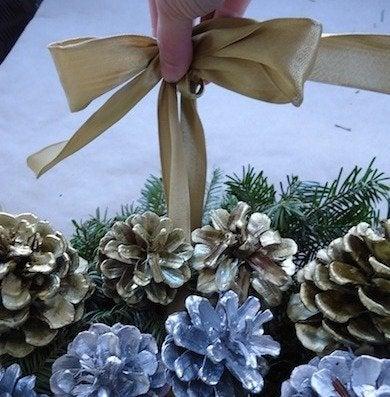 Bow pinecone