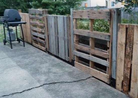 Unfinished-pallet-fence-itclips