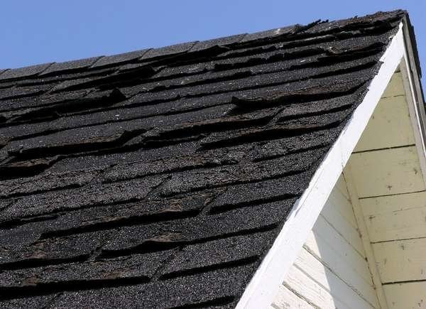 Bad shingles red flag in home buying