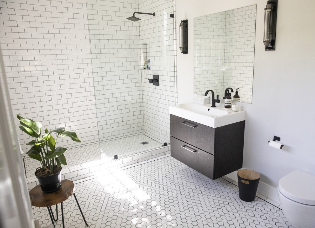 8 Ways to Make Your Bathroom More Spa-Like This Year