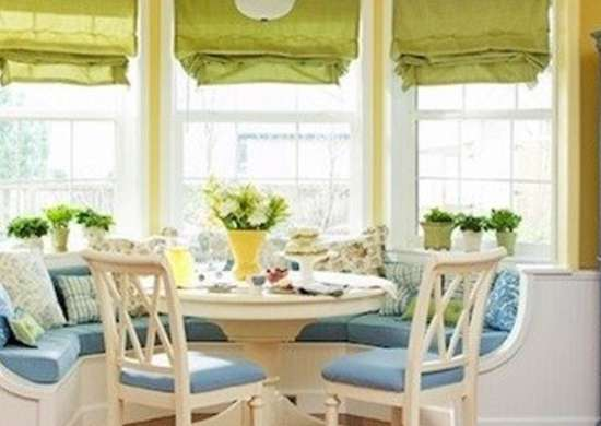 Bay-window-kitchen-banquette-traditionalhome