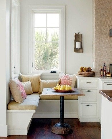 Built-in-kitchen-banquette-bhg