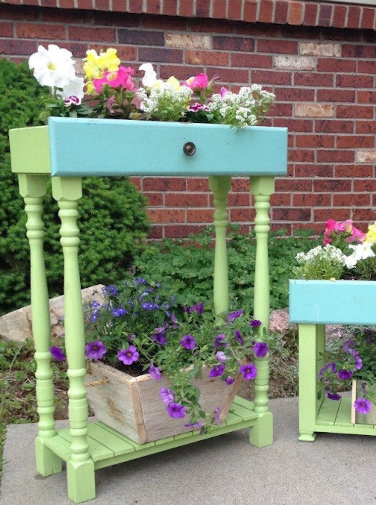 Dresser drawer planter
