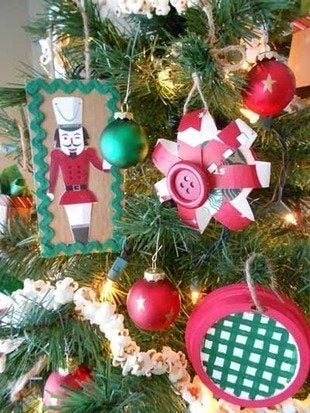 Labworks360 starbuck christmas ornaments tree detail bob vila