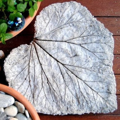 A Rhubarb Leaf Was The Mold For This Step Stone, But Any Large Leaf Will  Do. Using Portland Cement, Frost The Leaf Like A Cake.