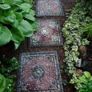 Make stepping stones 10 diy ideas to brighten any garden walk pebble mosaics are time consuming to create but oh so stunning if you have the time and the will the result is definitely worth it the stones must be set workwithnaturefo