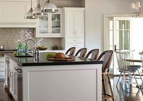 Hew_kitchen-katesinger-johnbesslerphoto1