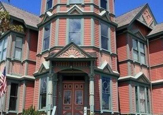 Flickr-alaskandude-victorian-house-historic-paint-colors-bob-vila