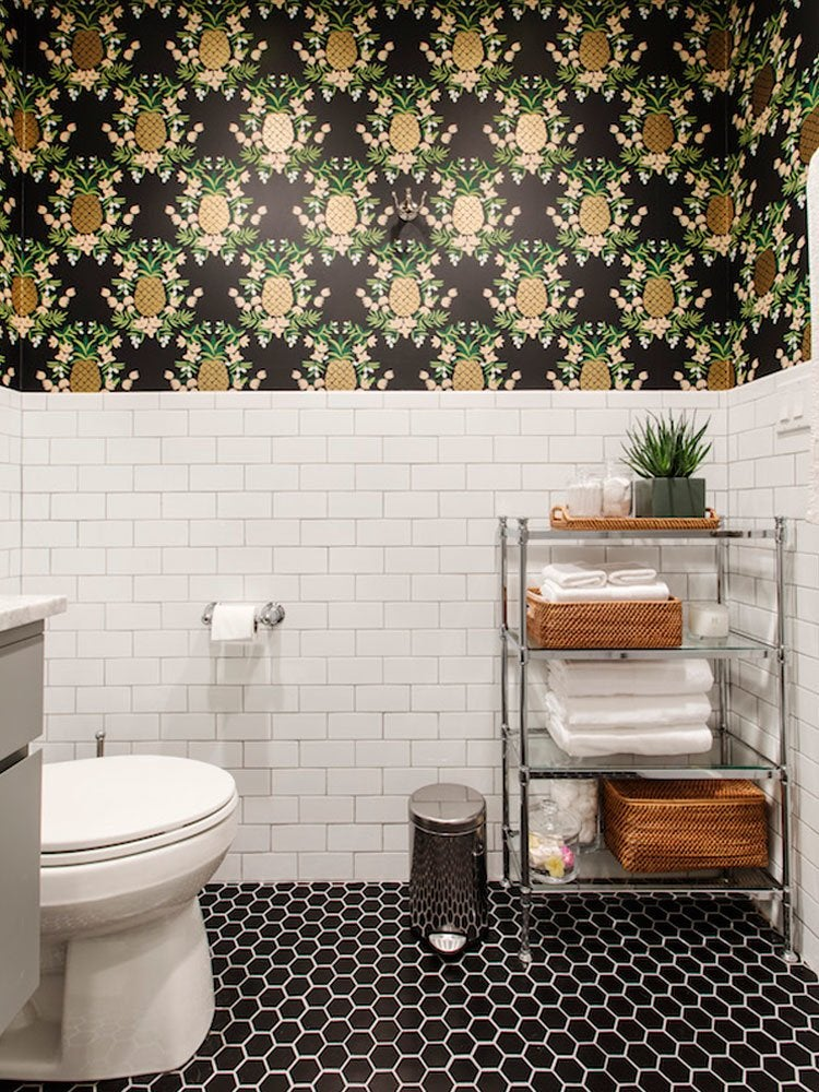 Bathroom pineapple