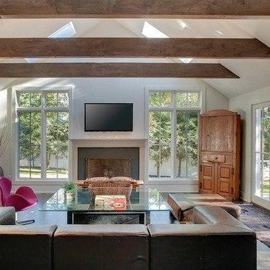 Oldhillhouse-familyroom-annsellerslathrop-crop