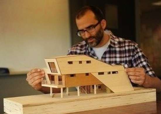 Brad_pitt_make_it_right_foundation_home_graft_architect_rob_decosmo_bob_vila_green_building_4544571830_5fcff26d9a20111123-36322-1lkzqmu-0