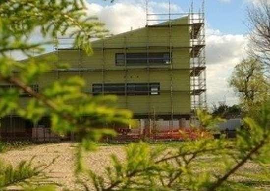 Brad_pitt_make_it_right_foundation_home_bild_design_bob_vila_green_building_4582771172_5a1c2de0b020111123-36322-dli5w3-0