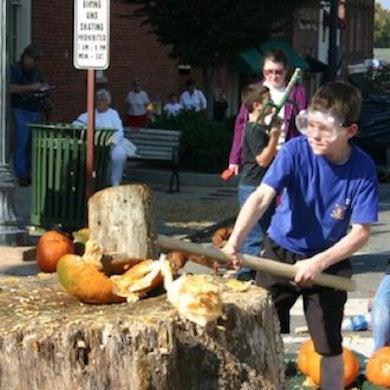 Statesvillepumpkinfest pumpkin smashing event