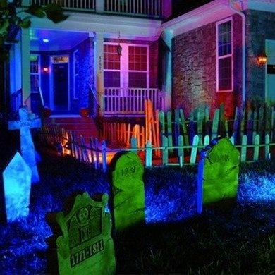 Outdoor-halloween-decorations-cfl-houselogic