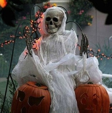 Scary-halloween-decoration-ideas2-halloweenactivity-net