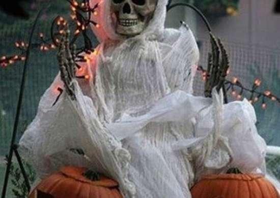Scary-halloween-decoration-ideas2-halloweenactivity-net