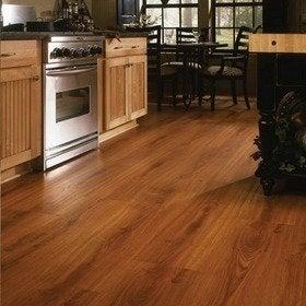 Dupont_colonialoak_large_laminate_flooring_repro_bob_vila20111123-36322-v78vgx-0