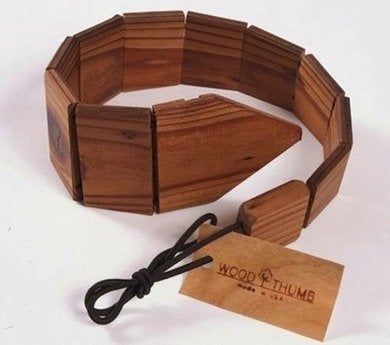 Woodthumb recycledwood tie 2