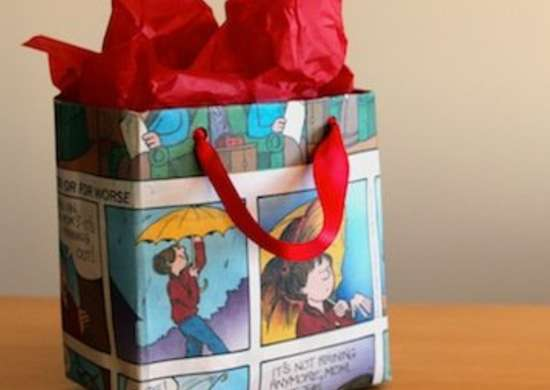Newspaper_gift_bag_gift_wrap