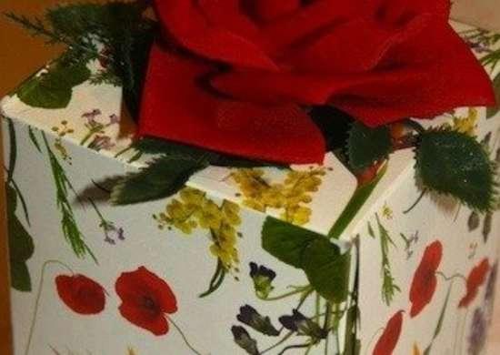 Tissue box gift wrap copy