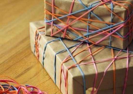 Rubber_band_gift_wrap