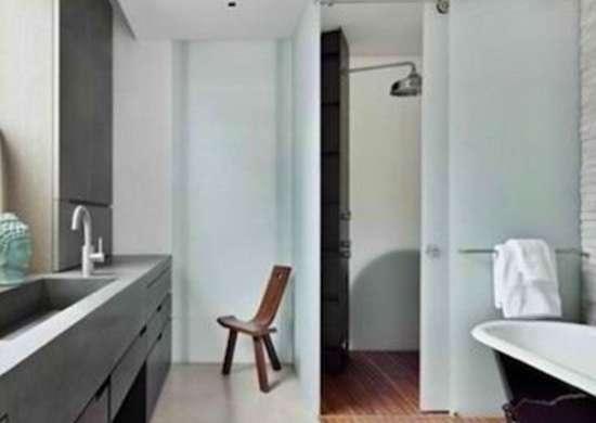 Anderson Cooper's Bathroom