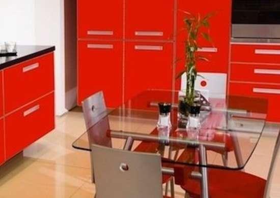 Красно-черная кухня: выбираем обои, фартук, шторы (47 реальных фото) | 390x550