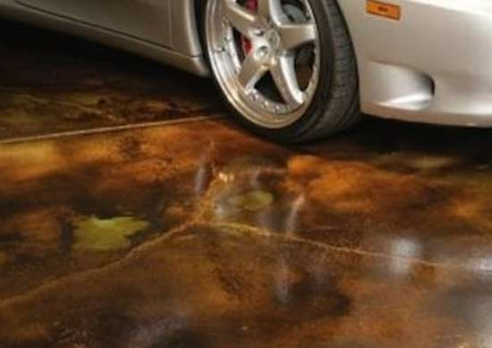 Concrete-staining-for-garage-floor